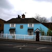 Hotel Pictures: The Greyhound Cottage, Ilford