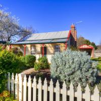 Hotel Pictures: Rossmore Cottage, Creswick