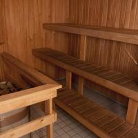 Four-Bedroom Apartment with Sauna and Jaccuzzi