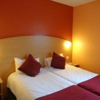 Twin Room with Parking and Airport Transfer