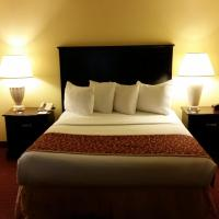 Queen Suite with Roll-In Shower - Disability Access/Non-Smoking