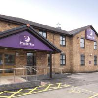Hotel Pictures: Premier Inn Llanelli Central West, Llanelli