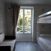 Two-Bedroom Apartment (2 Adults + 2 Children) with Sea View