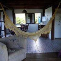 Hotel Pictures: Casa de praia na beira do mar, Florianópolis