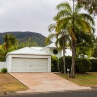 Hotel Pictures: Casa Breeze - Luxury Holiday House, Palm Cove