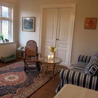 Hotel Pictures: Miklagaard Bed And Breakfast, Tisvildeleje