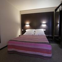 Hotel Pictures: Hôtel Au Petit Caporal, Maisons-Alfort