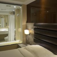Deluxe King Room (with glass Bathroom and Bathtub)