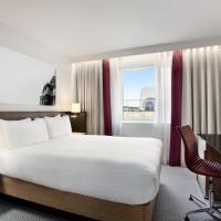 Double Hilton Guest Room