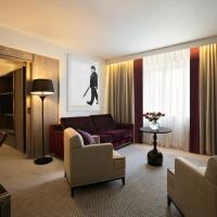 Suite with Lounge Access