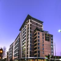 Hotel Pictures: Meriton Serviced Apartments George Street, Parramatta, Sydney