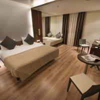 Comfort Triple Room (including daily refilled free mini bar)