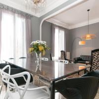 Five-Bedroom Apartment - Gran Via with Balcony