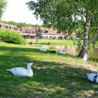 Hotel Pictures: Relais du Silence L'Orée des Chênes, La Ferté-Saint-Aubin