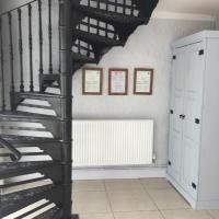 Two-Bedroom Cottage - The Hayloft