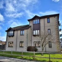 Hotel Pictures: Town & Country Apartments - Kirkside Court, Westhill