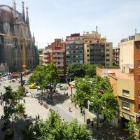Two-Bedroom Apartment with Balcony and Sagrada Familia Views