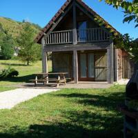 Hotel Pictures: le Lac des Graves - Chalet, Lascelle