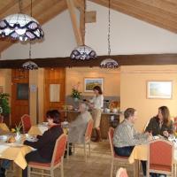 Hotel Pictures: Hotel am Wald, Ottobrunn