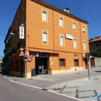 Hotel Pictures: Hostal Paula, Ripoll
