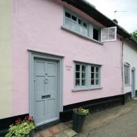 Hotel Pictures: Lavinia'S Cottage, Eye