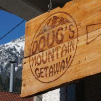 Hotel Pictures: Doug's Mountain Getaway, Fulpmes