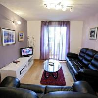 Deluxe One-Bedroom Apartment with Balcony-Hektorovićeva street 36