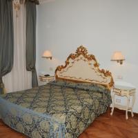 Foto Hotel: Alloggi Santa Sofia, Venezia