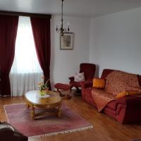 """Hotel Pictures: Gîte """"Au Mont Repos"""" proche de Colmar, Trois-Épis"""