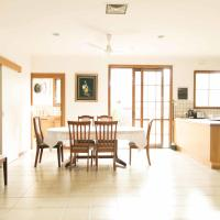 Hotel Pictures: Hawthorn Holiday House, Hawthorn