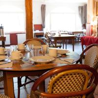 Hotel Pictures: Auberge Le Romarin, Valgorge