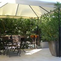 Hotel Pictures: Coq Hotel, Cogolin