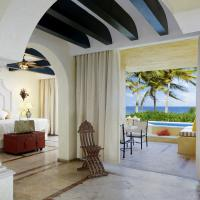 Ocean Front Master Suite Two Bedroom with Plunge Pool Triple
