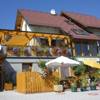 Foto Hotel: Ferienwohnungen Haus Livia, Sankt Urban