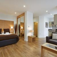 Hotel Pictures: Central House Apartments, Camberley