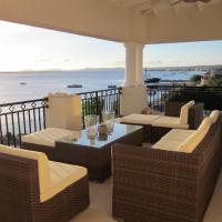 Hotel Pictures: Bojo Oceanfront Penthouse, Kralendijk