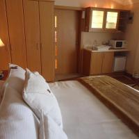 Hotel Pictures: Quinta Laguardia, Puembo