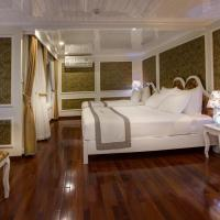 Signature Royal Halong Cruise