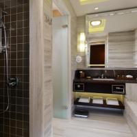 Club Double or Twin Room with Lounge Access