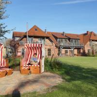 Hotel Pictures: Seeufer Villa - B, Flessenow