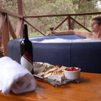 Hotel Pictures: Beyonderup Falls Adult Retreat, Nannup