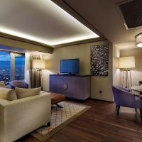 Capital Suite with Lounge Access
