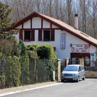 Hotel Pictures: Pensión Casa Sangalo, Larrasoaña
