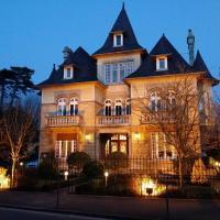 Hotel Pictures: Le Castel Guesthouse, Bayeux