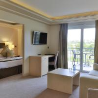 Junior Suite with Terrace and Golf View