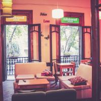 Hotel Pictures: Bonarda Bon Hostel, Rosario