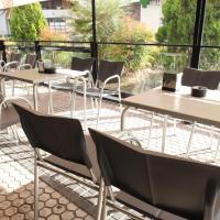 Hotel Pictures: Pension Txarriduna, Elgóibar