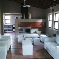Hotel Pictures: Estancia Los Talas , El Puesto, San Eladio