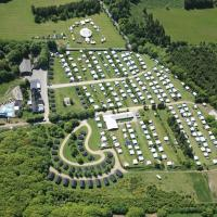 Hotel Pictures: Riis Camping & Cottages, Give