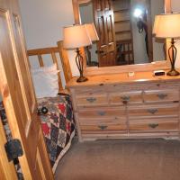 Deluxe Three-Bedroom Townhouse